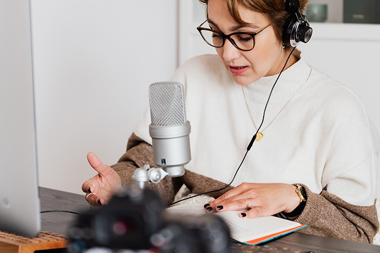 how to make freelance voice over career popular voice ove rjobs